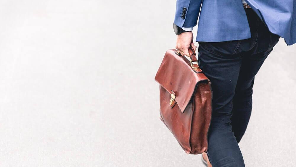【経験談】転職エージェントの面談の服装は私服?それともスーツ?